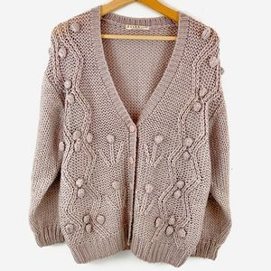 Sweaters - Vintage Chunky Sweater with Flower Detail